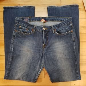 Lucky brand Sweet n' Low bootcut jeans sz14
